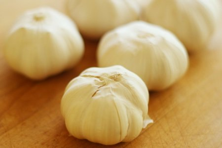 How to Peel Garlic Quickly